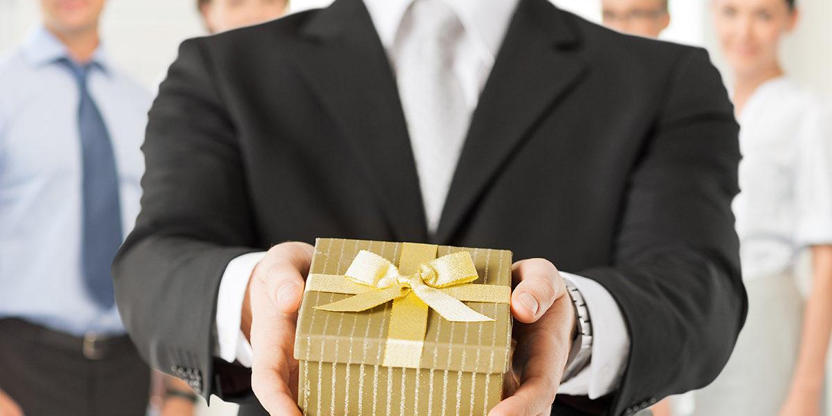 Dlaczego spersonalizowane prezenty mają największą moc? Długopisy reklamowe AdPen