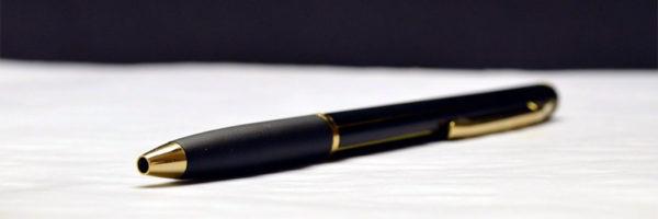 Długopisy na zamówienie – jak zaprojektować własny długopis z nadrukiem?